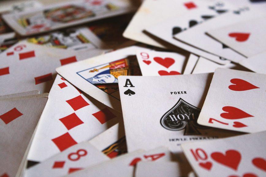 On ne joue qu'avec ses cartes